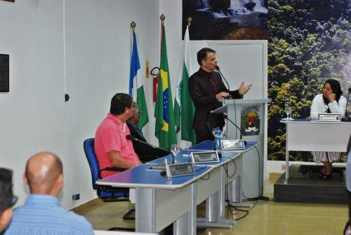 Prefeito de Faxinal participa da entrega de título de cidadão honorário