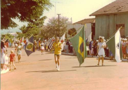 Desfile em comemoração ao dia da Independência. Desfile de 1982. Foto: Antonio José Gaino – 1982.