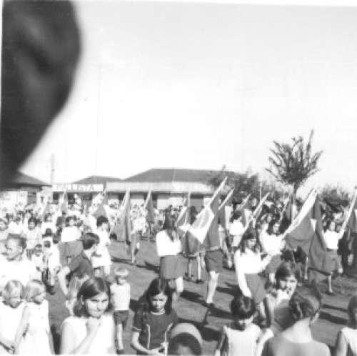 Desfile de 7 de Setembro. Início dos anos 70. Foto: Antonio Castanheira – Década de 70.