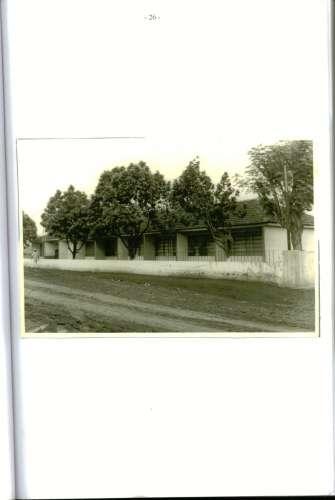 Ginásio São Pedro (CNEC) – 1970/74. Escola Estadual Arthur Costa e Silva (extensão de Floresta) 1975/80. Escola Regente Feijó 1980/83. Foto: Escola Regente Feijó – 1980.
