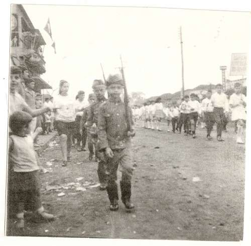 Desfile de 7 de setembro do Grupo Escolar Regente Feijó – 1969 Katulo Garutte Catto.