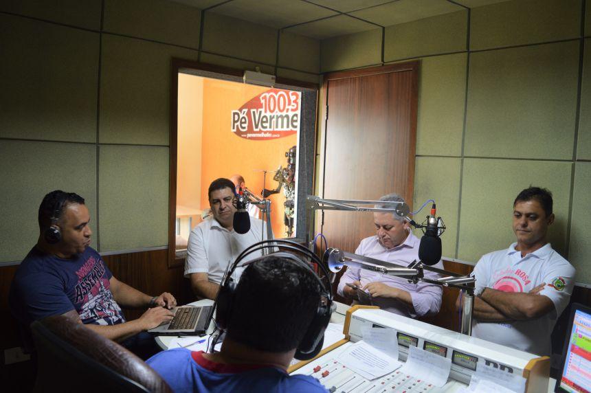 Visita do deputado estadual Douglas Fabrício