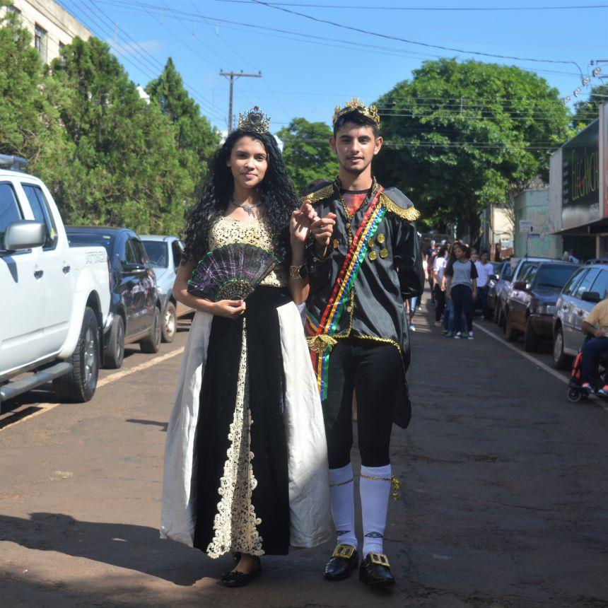 Projeto 24 Horas na Escola traz desfile sobre os clássicos do Cinema