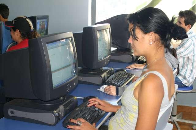 Mais de 70 pessoas estão sendo beneficiadas pelo curso de Inclusão Digital
