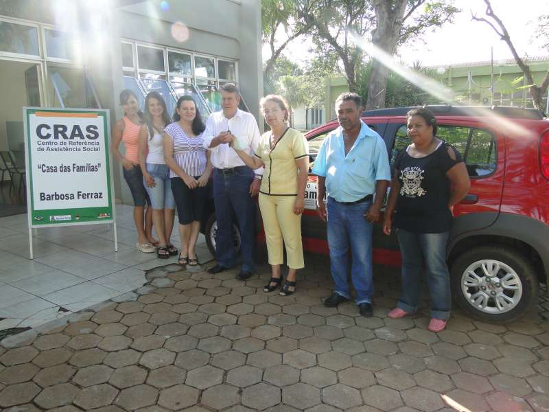 Prefeitura compra veículo para atuar no Programa Bolsa Família