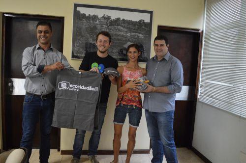Entrega dos EPIs aos membros da Associação dos Catadores e Materiais Recicláveis