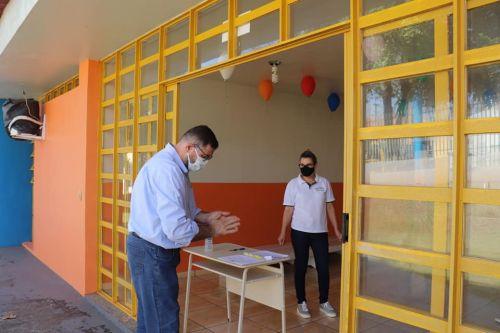 Retorno ás aulas tranquilo em Barbosa Ferraz.