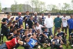 Barbosa Ferraz é campeã no futebol