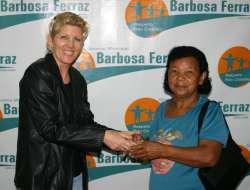 Programa Barbosa Ferraz Sorridente beneficia a população com próteses dentárias
