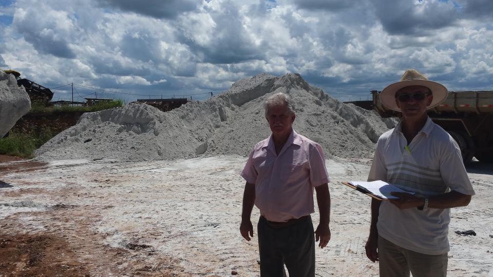 Prefeitura distribui 340 toneladas de gesso agrícola
