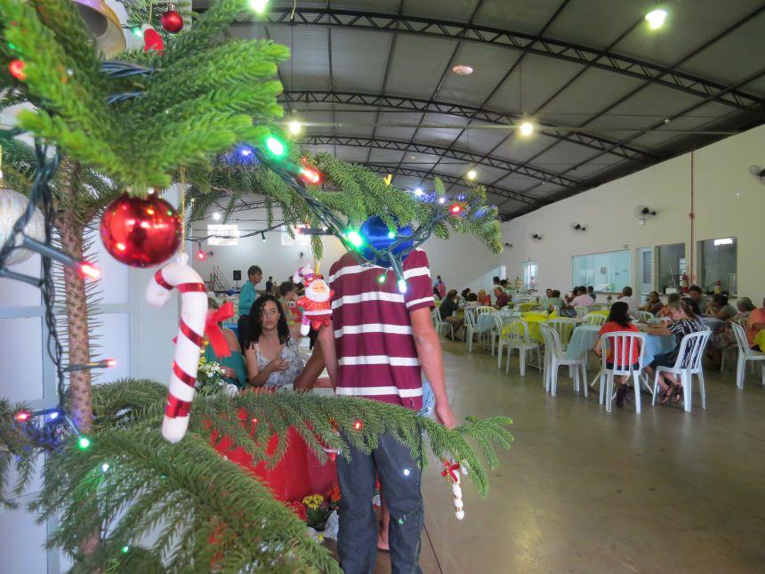 Prefeitura de Ivatuba realiza jantar ao servidor público.