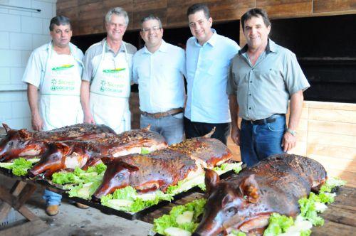 """Aconteceu a 10ª Festa da Leitoa Recheada"""", promovida pela Paróquia Nossa Senhora do Rocio"""