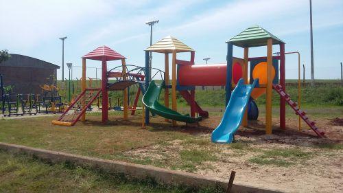 Jardim Refúgio ganha parque infantil