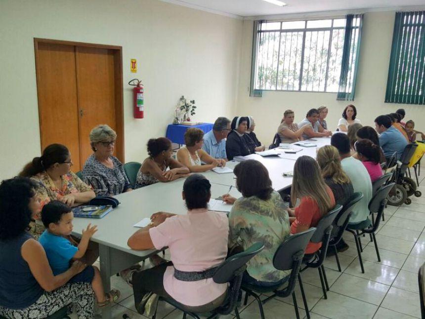 Reunião com conselhos ligados ao departamento do Ação Social