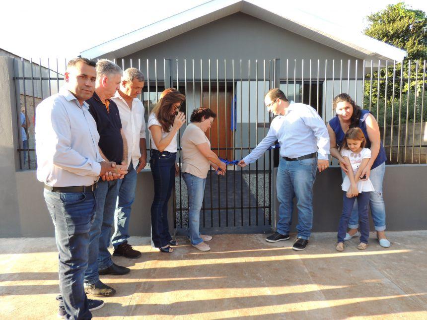 Entrega da 3ª Casa à Família Carente do Município
