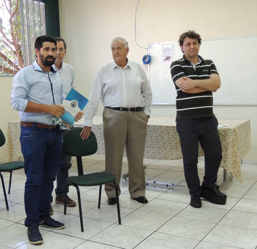 Deputado Anibelli Neto entrega R$ 100 mil a Saúde