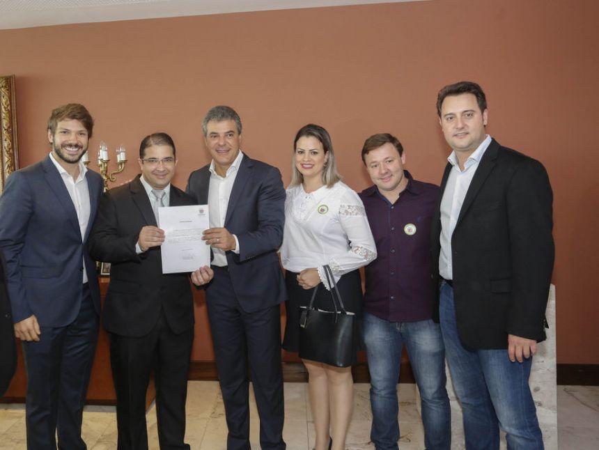 Floresta recebe mais de 1 milhão de reais