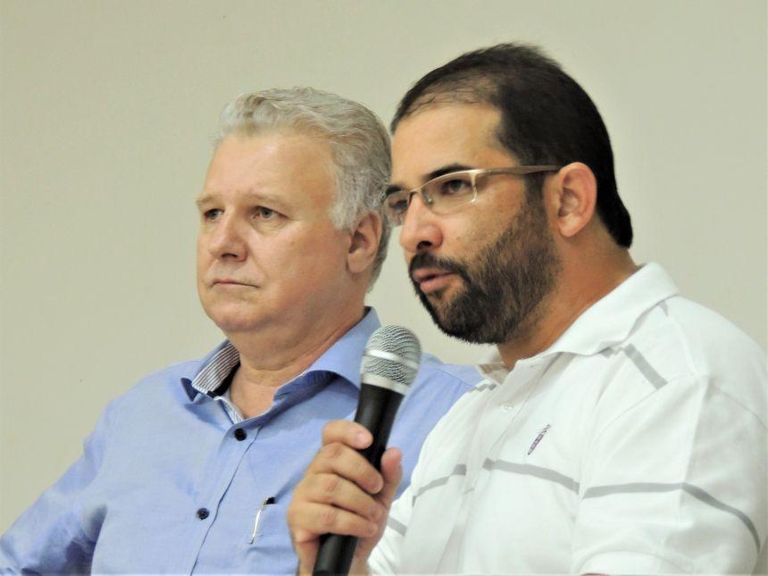 Edmar Arruda entrega recurso para compra de ambulância
