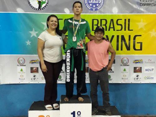 Atletas florestenses ganham medalhas na Copa do Brasil de Kickboxing