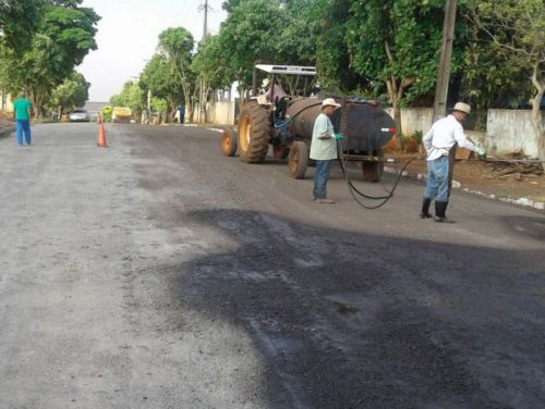 Prefeitura inicia recapeamento asfáltico em algumas ruas da cidade