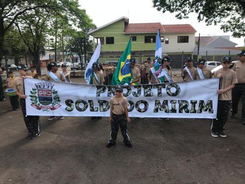 Prefeitura de Floresta implanta o Projeto Soldado Mirim.