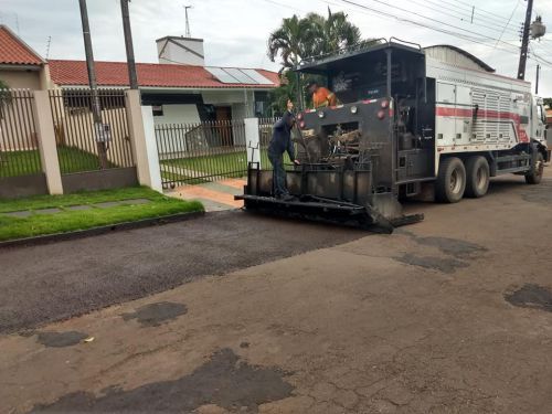 RECAPE ASFÁLTICO NAS RUAS DO MUNICÍPIO DE ITAMBÉ