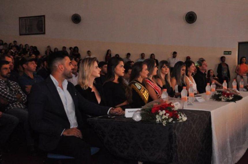 Desfile para a escolha da Anfitriã da 47ª EFAPI 2019