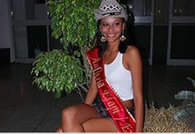 Aglaupy Lian eleita Rainha Anfitriã da Efapi