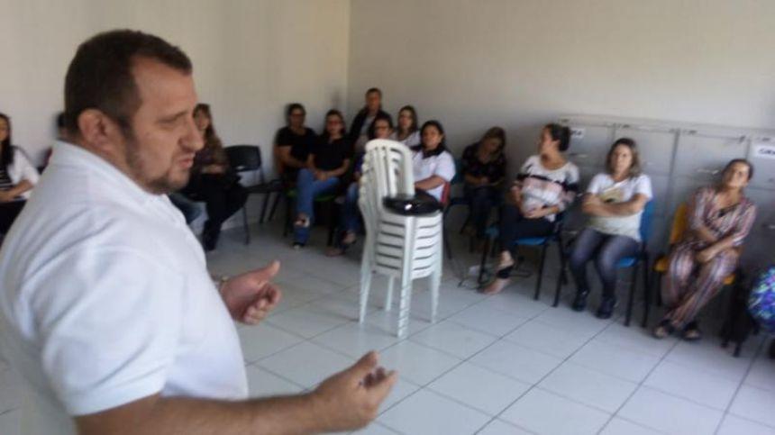"""Secretaria Municipal de Assistência Social comemora o """"Dia do Funcionário Público"""""""