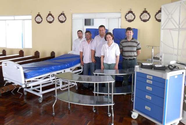 Prefeita entrega equipamentos ao Hospital Nossa Senhora da Saúde e Pronto Socorro