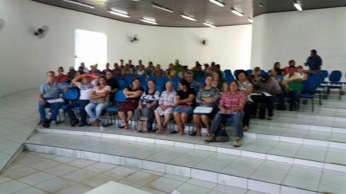 Reunião com famílias do Programa Nacional de Habitação Rural