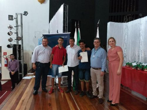 Formatura de entrega dos certificados dos cursos do SENAI E SENAC