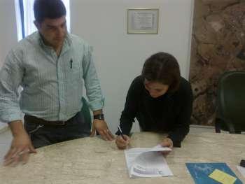 Prefeita assina contrato com empresa Almeida para cobertura da arena
