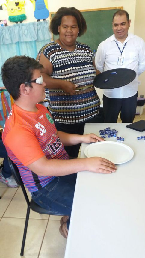 Jovens de Sertaneja fazem Curso gratuito de Técnicas de Garçom pelo SENAC