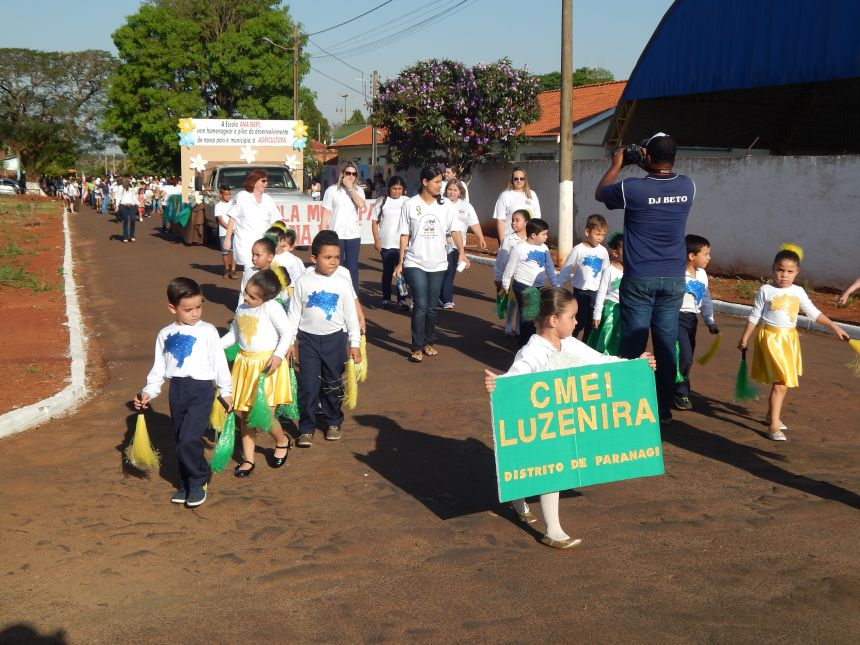 Desfile de 7 de Setembro em Paranagi