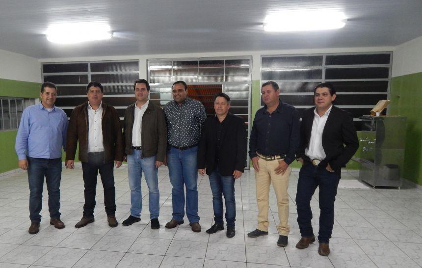 Secretário do Desenvolvimento Urbano visita obras no Município de Sertaneja