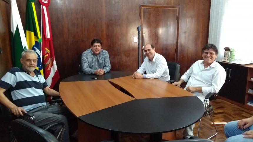 Administração Municipal recebe visita do Prefeito de Santa Mariana