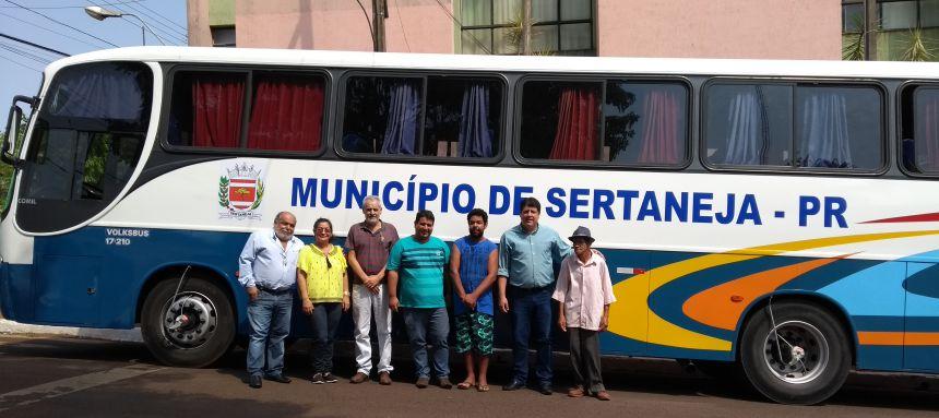 Prefeitura de Sertaneja adquire 02 ônibus