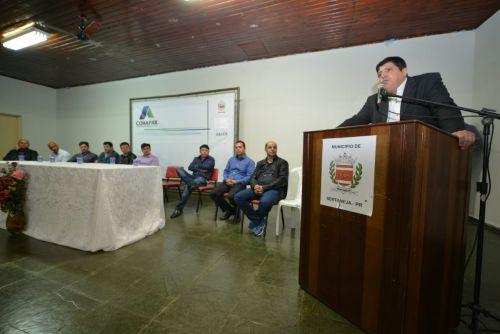 Famílias de Sertaneja assinam contratos da casa própria