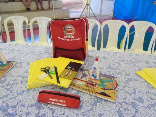 Entrega de Kits Escolares