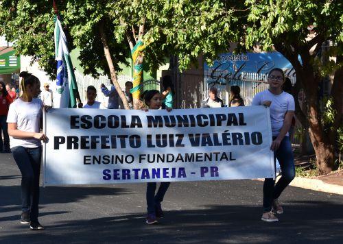 DESFILE DE 7 DE SETEMBRO EM SERTANEJA E PARANAGI