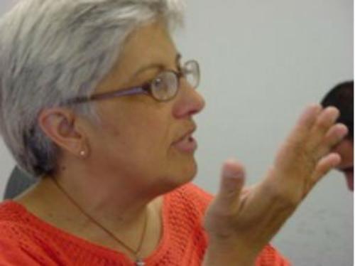 Professora da UFPR morre após ser esfaqueada pelo filho, diz polícia.