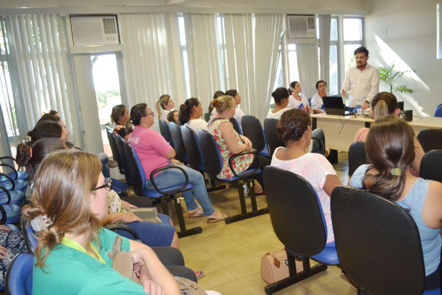 REUNIÃO DE GESTANTES ABORDA CUIDADOS COM RECÉM-NASCIDOS E ROTINAS HOSPITALARES