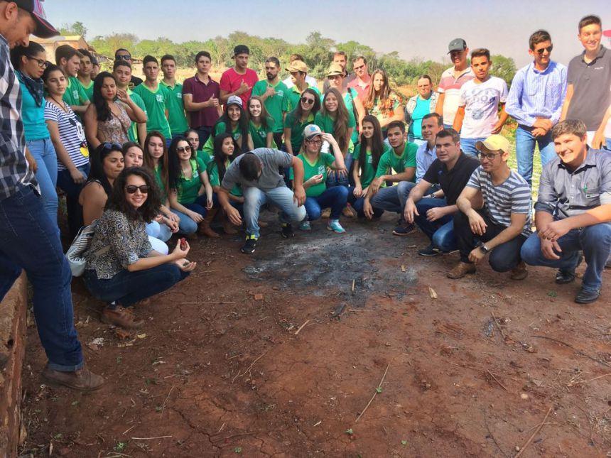 ALUNOS DA CASA FAMILIAR RURAL PARTICIPAM DA FORMAÇÃO CAMPO JOVEM EM CIANORTE