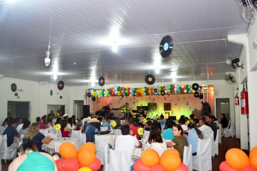 VIII FEST MUSIC AGITA NOITE COM GRANDES APRESENTAÇÕES