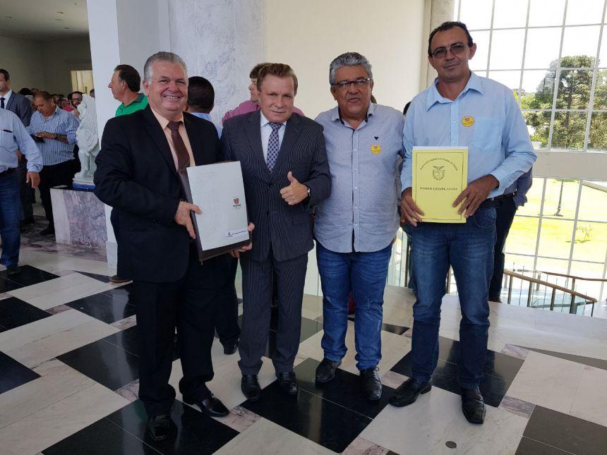 EM CURITIBA, BARALDI BUSCA VIABILIZAÇÃO DE MAIS BENEFÍCIOS