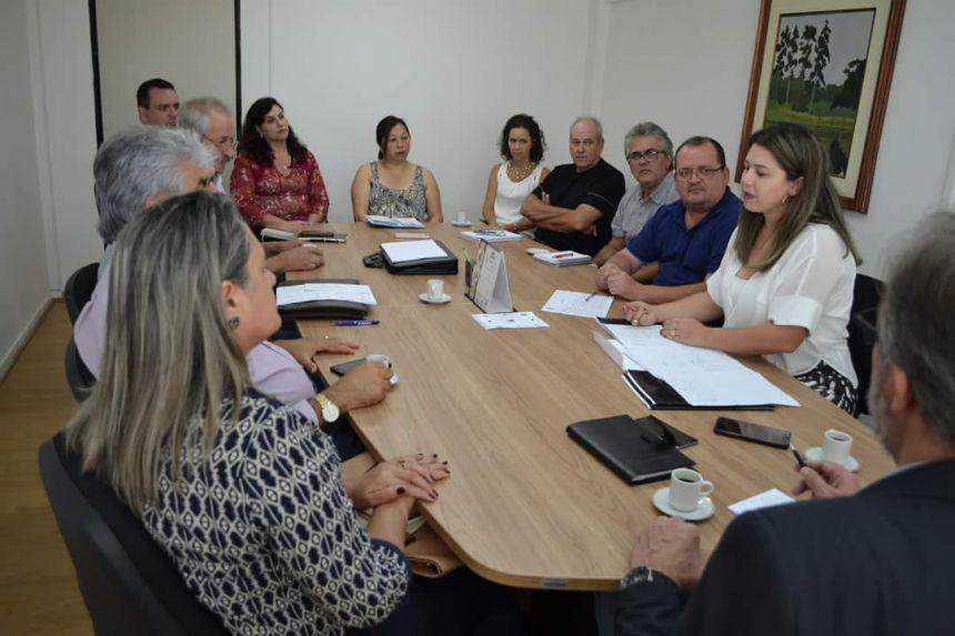 PREFEITO CUMPRE AGENDA DE COMPROMISSOS EM CURITIBA E VIABILIZA RECURSOS