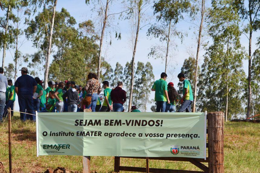 EMATER E PREFEITURA ORGANIZAM TARDE DE CAMPO COM PRODUTORES