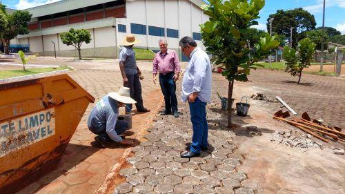 Prefeito e Presidente da Câmara visitam obras no município.