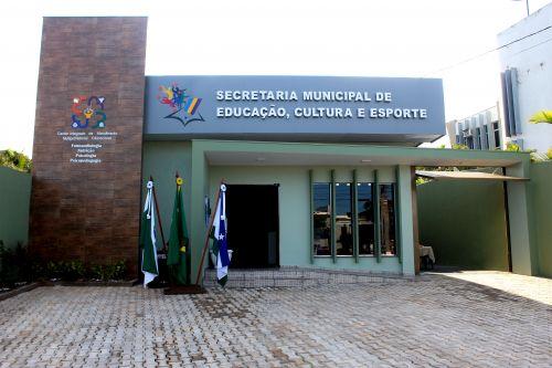 NOVO PRÉDIO DA SECRETARIA DE EDUCAÇÃO É ENTREGUE EM EVENTO SOLENE